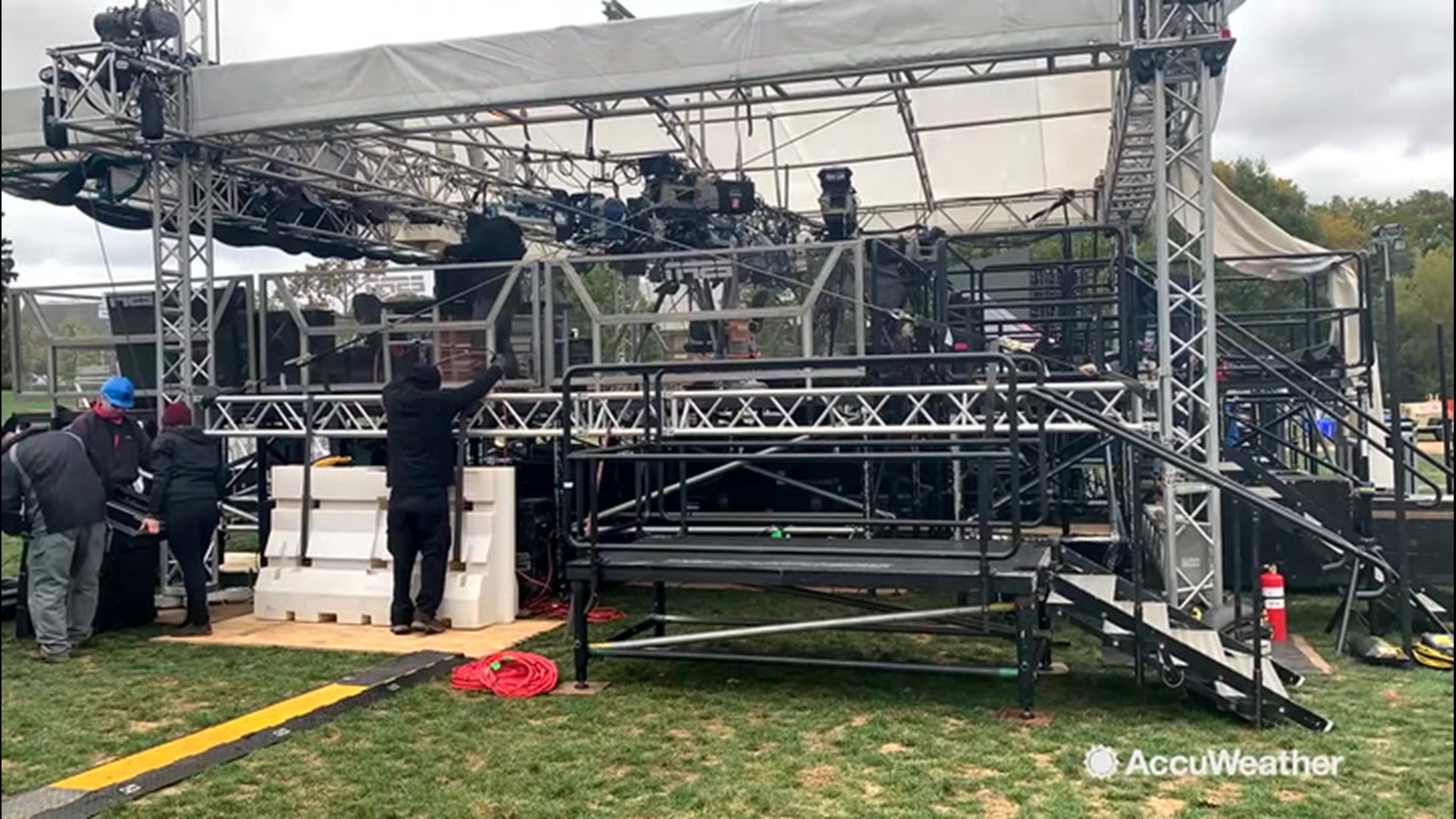 Time-lapse video of College Gameday setup at Penn State ...