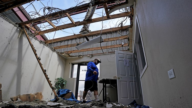 At least 671 rescued after Hurricane Ida traps people, ravages power grid