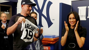 Red Sox, Yankees gift jerseys to Prince Harry, Meghan for baby Archie before NY's win in London