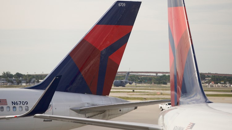 Passengers help subdue unruly passenger on Delta flight from L.A. to Atlanta