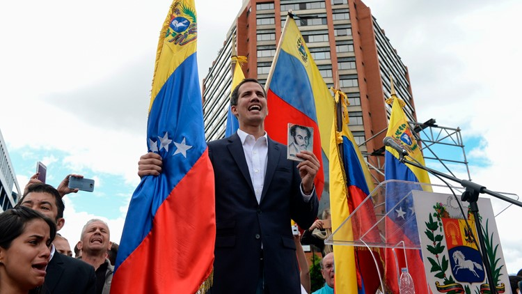 White House recognizes Venezuelan opposition leader as interim president
