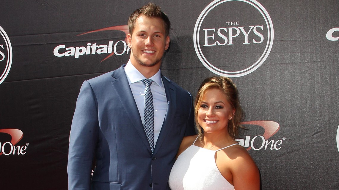 Pregnant Shawn Johnson, due this week, marks 2nd anniversary of miscarriage