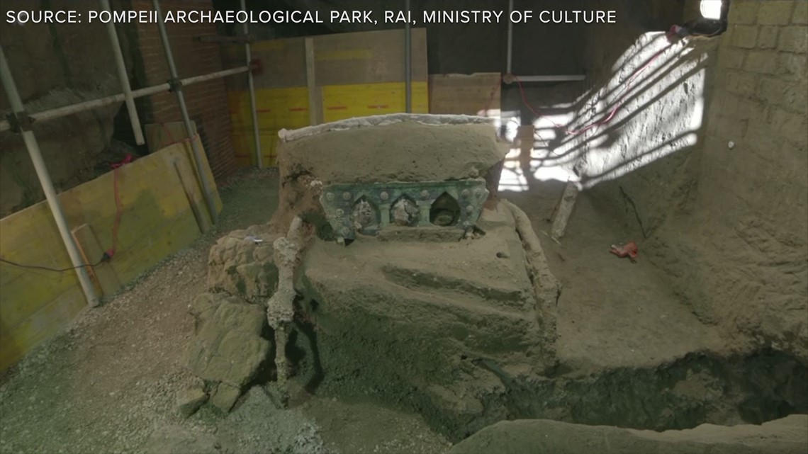 Intact 4-wheeled chariot found in Pompeii excavations