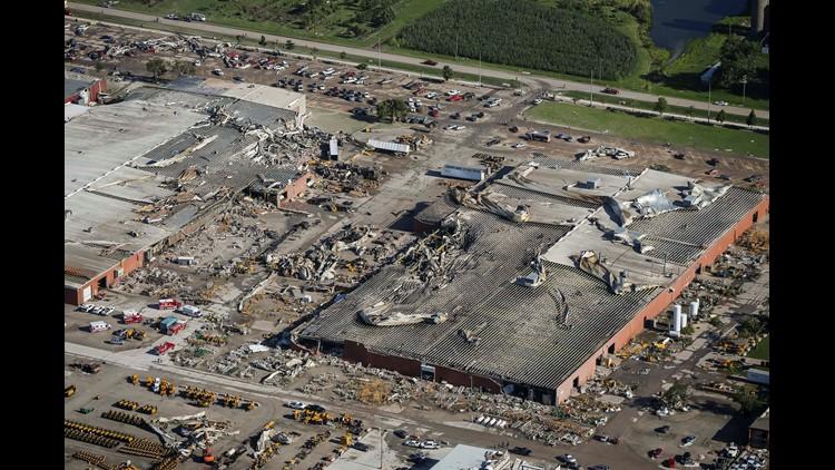 0719_Pella_vermeer_tornado damage_01018