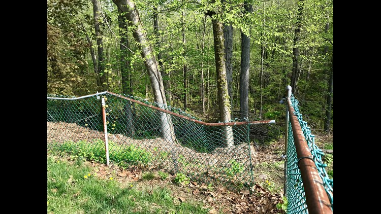 636616253531931848-broken-fence.jpg