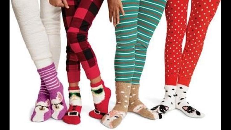 636771998862305000-socksprovided.jpg
