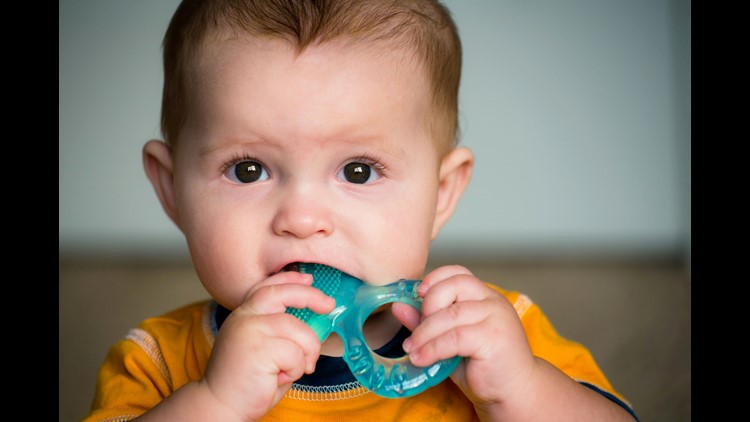 FDA warns teething meds unsafe due to numbing drug