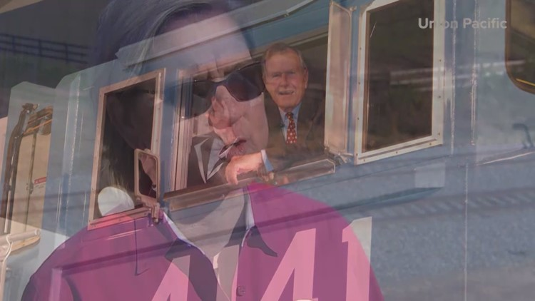 Bush 41 S Train To Pass Through Houston Area En Route To College