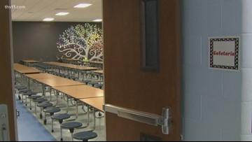 Lunch angel! Man pays almost $7,000 in lunch debt for the students at elementary school