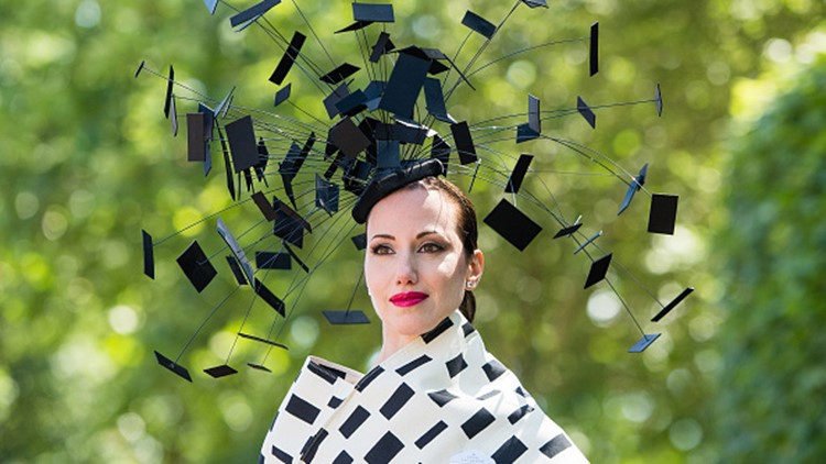 ASCOT, ENGLAND - JUNE 21: A racegoer attends Royal Ascot Day 3 at Ascot Racecourse on June 21, 2018 in Ascot, United Kingdom. (Photo by Samir Hussein/Samir Hussein/WireImage)