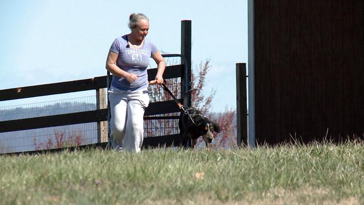 Sandy Pope trainer Smokey X bluetick coonhound mascot state dog Tennessee