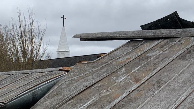 100 mph tornado rips through Burlington, locals clean up damage Friday