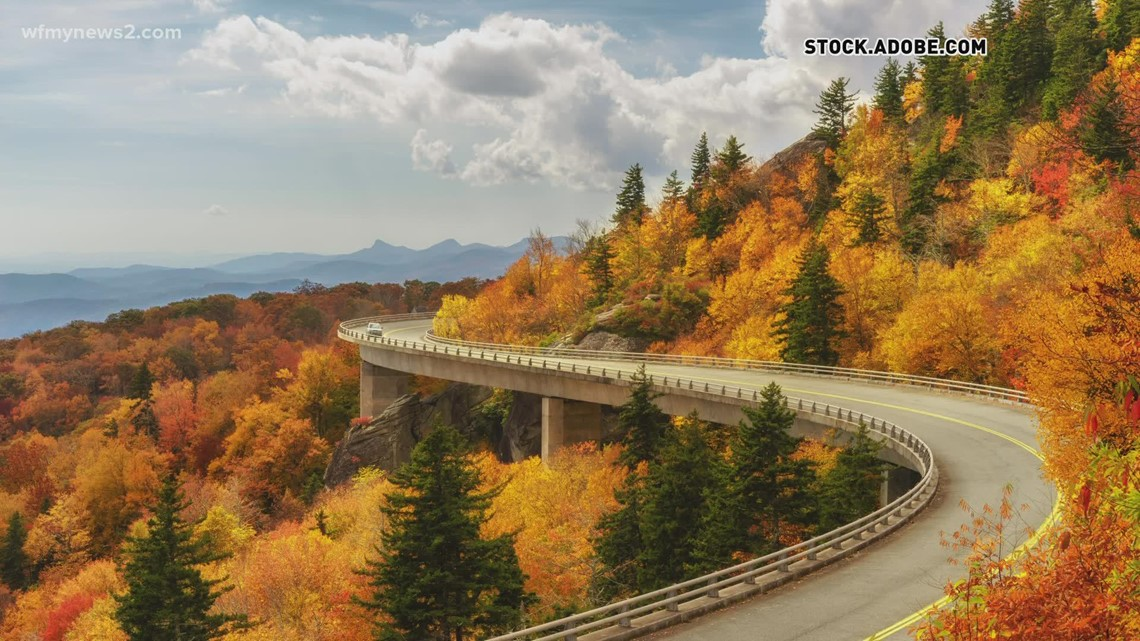 Yes, a hot, dry summer can delay and dull fall colors