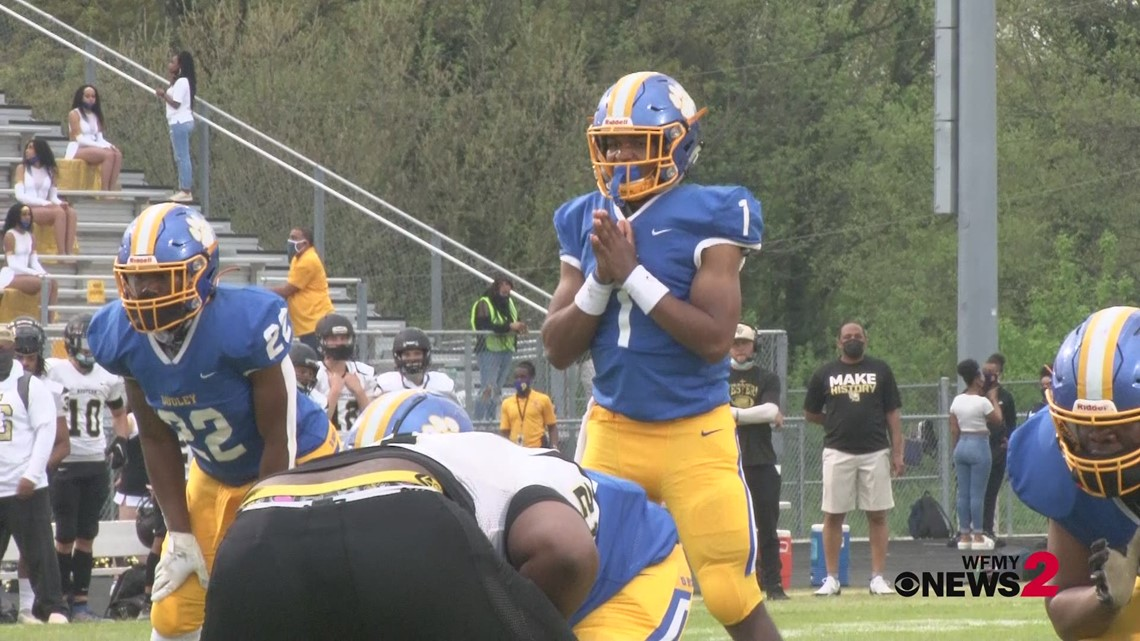 Friday Football Fever: Western Guilford vs Dudley