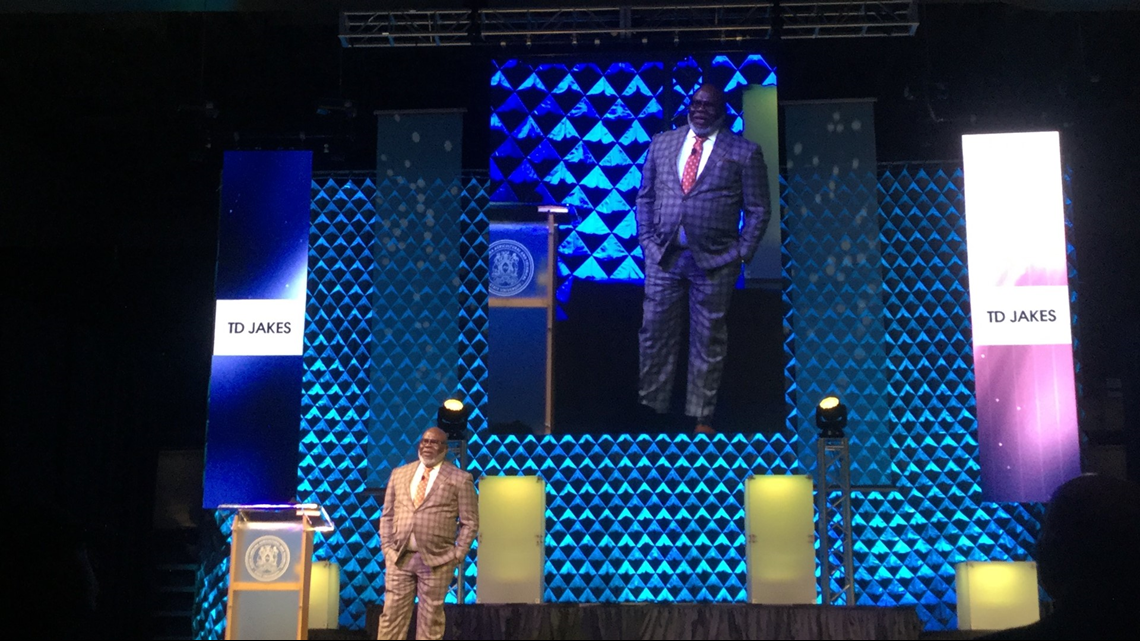 T D  Jakes Inspires NCA&T Students, Community To 'Live Their Best
