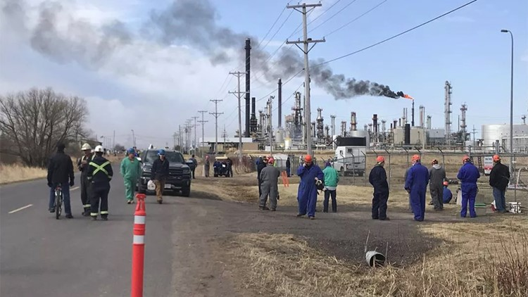 'Multiple casualties' in explosion at Wisconsin oil refinery