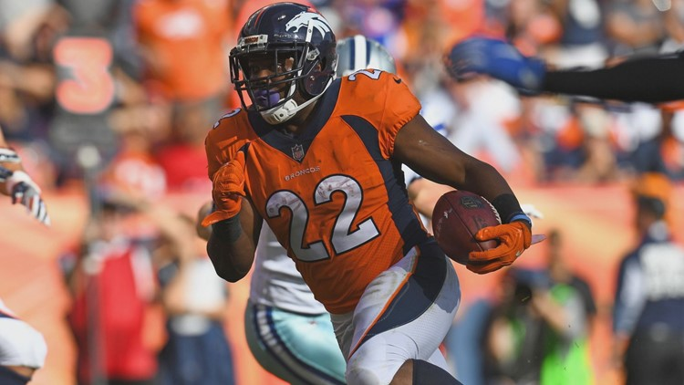 Former Broncos RB Anderson signs 1-year deal with Panthers