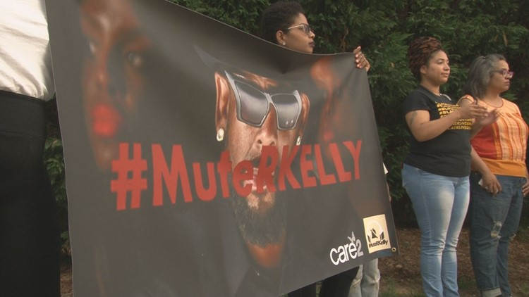R. Kelly set to perform in North Carolina despite protests