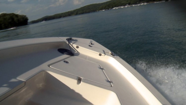 Boat Norris Lake Sideways-60988