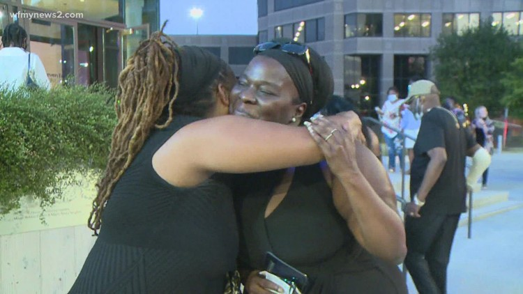 Greensboro nurse gives away ticket to Patti LaBelle concert