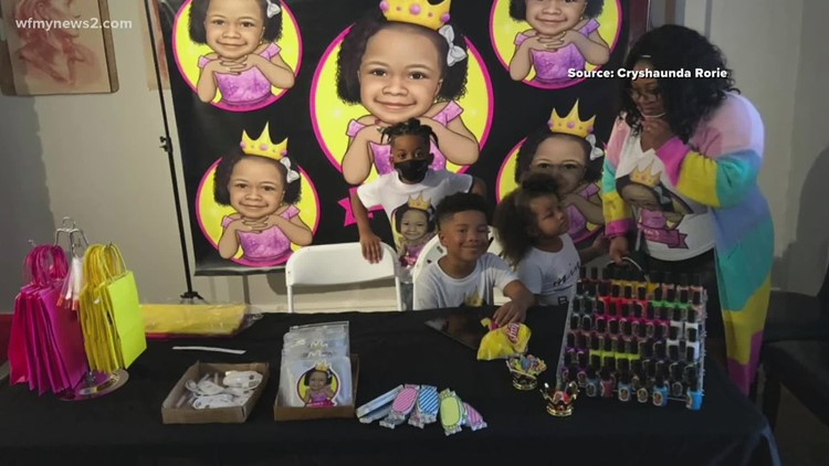 Mother and daughter promote kid entrepreneurs with pop-up shop event