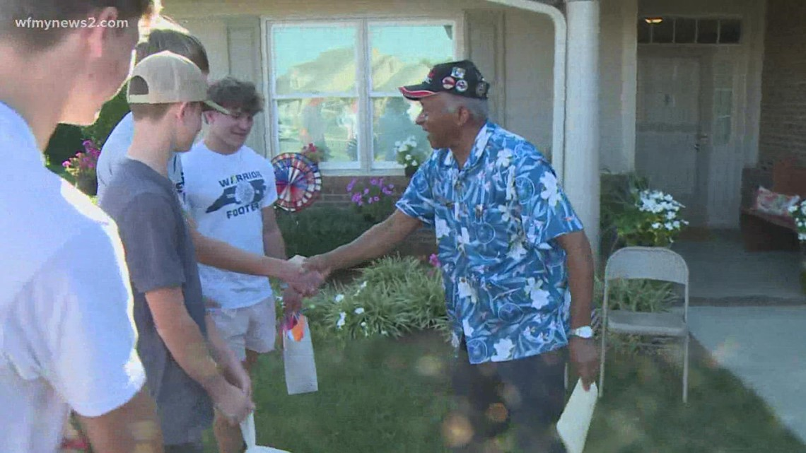 Western Alamance high school football players say 'thank you' to veterans