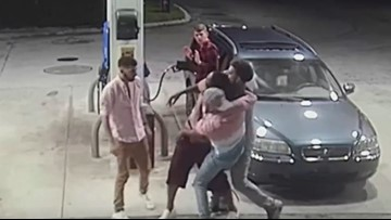 VIDEO: Florida spring breakers turn the tables on would-be armed robbers