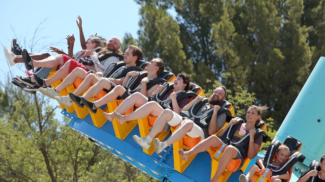 Six Flags Over Georgia Wants To Hire 3,000 Workers | How To Apply