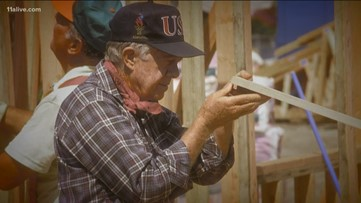 President Jimmy Carter shakes off fall, leads Habitat for Humanity build
